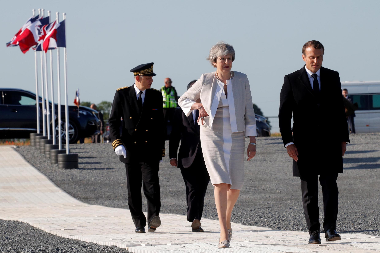 Тереза Мэй и Эмманюэль Макрон открыли торжества по случаю 75-летия высадки союзников в Нормандии. Вер-сюр-Мер, 6 июня 2019.