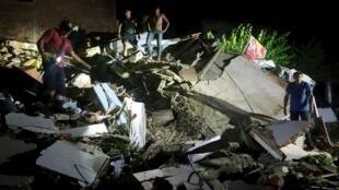 Katika mji wa Manta, kumeshuhudiwa uharibifu mkubwa, baada ya tetemeko la ardhi lenye kipimo cha 7.8 Richter lililopiga katika mkoa wa Manabi, Ecuador, Aprili 16, 2016.