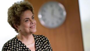 Mídia francesa tem dificuldade de compreender o processo de impeachment da presidente Dilma Rousseff.