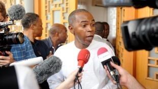 Gaspard Ntoutoume Ayi, le porte-parole de Jean Ping à Libreville le 26 septembre 2016.
