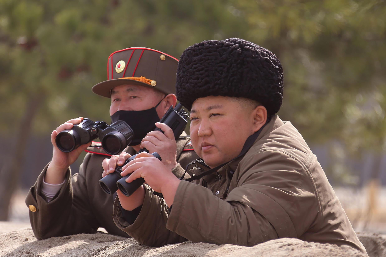 North Korean supreme leader Kim Jung-un inspecting the troops