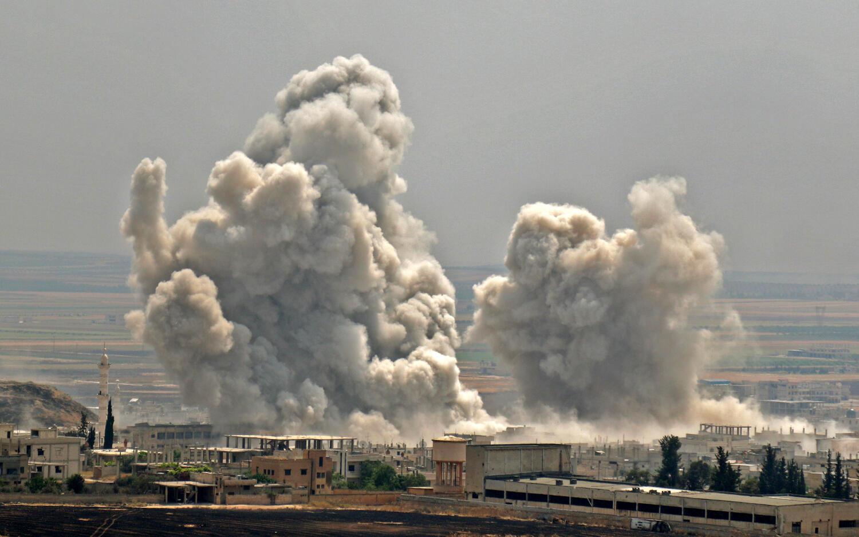 Bombardements des forces pro-Assad sur la ville de Khan Sheikhun dans la région Idleb, le 7 juin 2019
