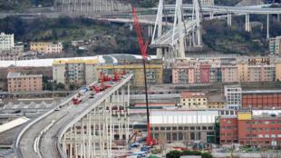 Vista general del puente Morandi en Génova que se derrumbó parcialmente en agosto de 2018.