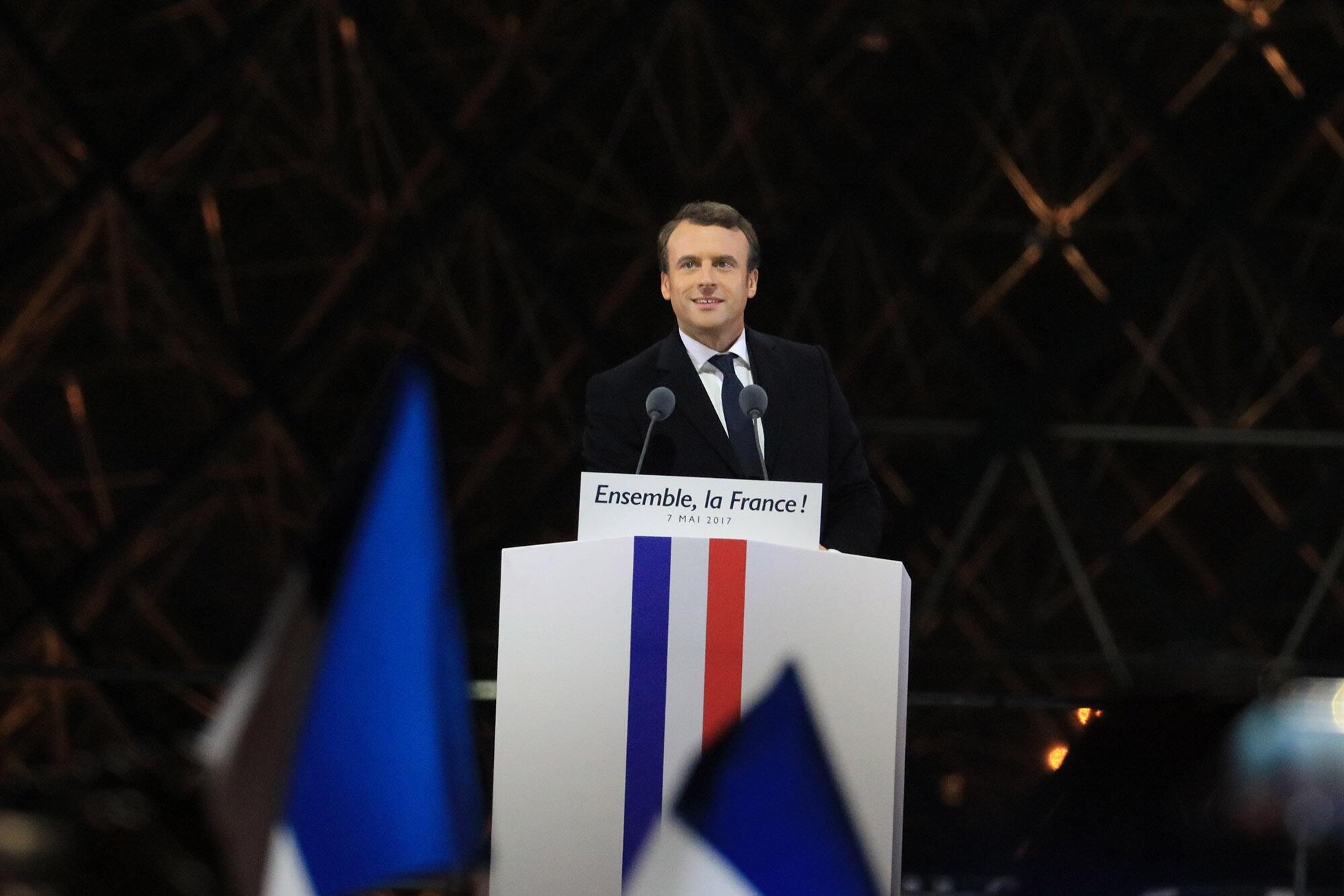 Emmanuel Macron durante celebração de sua eleição na esplanada do Louvre, em Paris. 7/05/2017