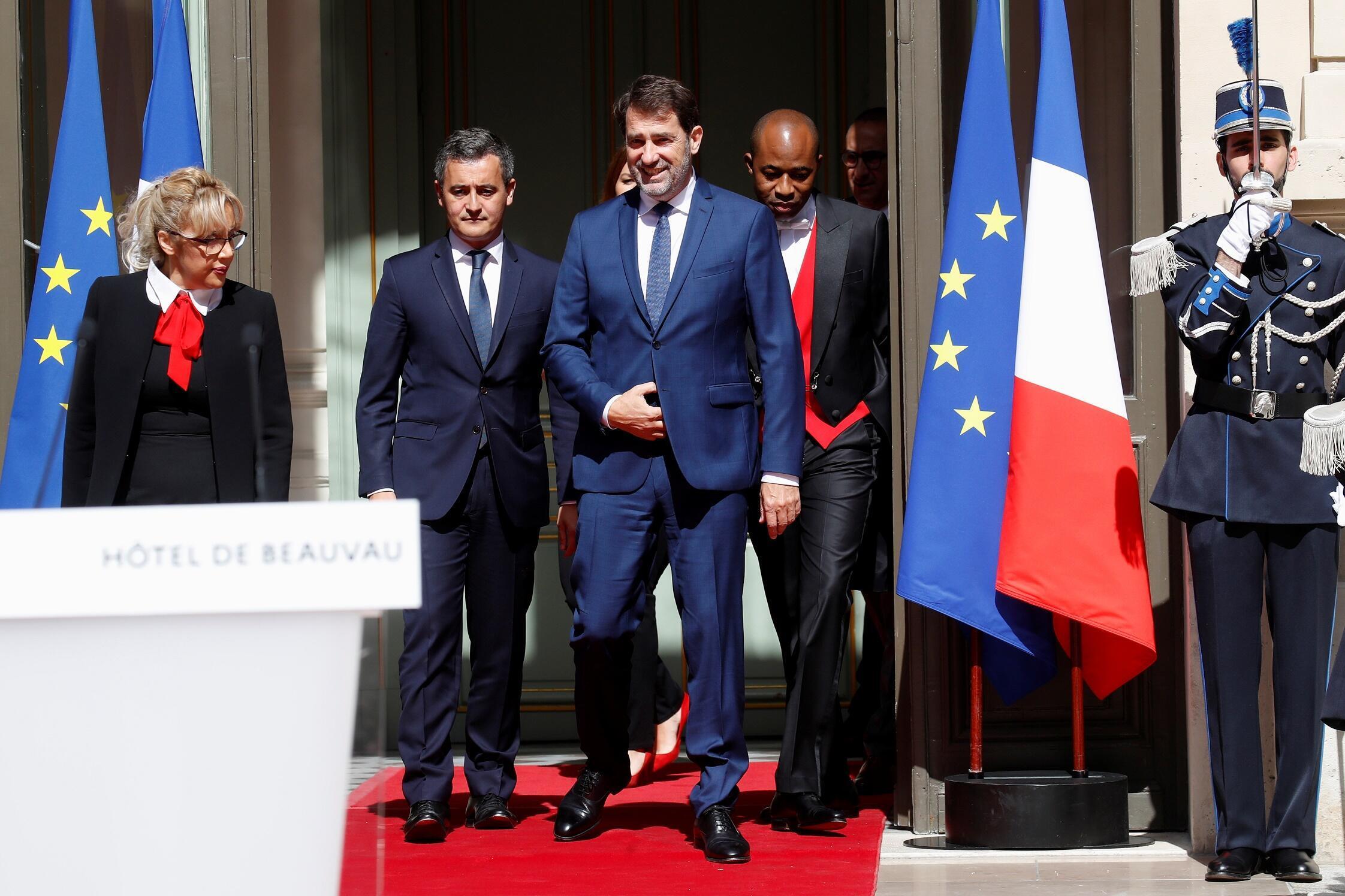Passation de pouvoir au ministère de l'Intérieur entre Christophe Castaner (à dr.) et Gérald Darmanin (à g.), le 7 juillet 2020.