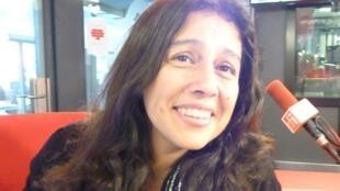 """La cantante peruana Mirtha Guerrero, """"La Machete"""", en los estudios de RFI en París."""
