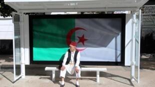 Alger, le 10 mai 2019, une pause dans un vendredi de manifestation contre le régime.