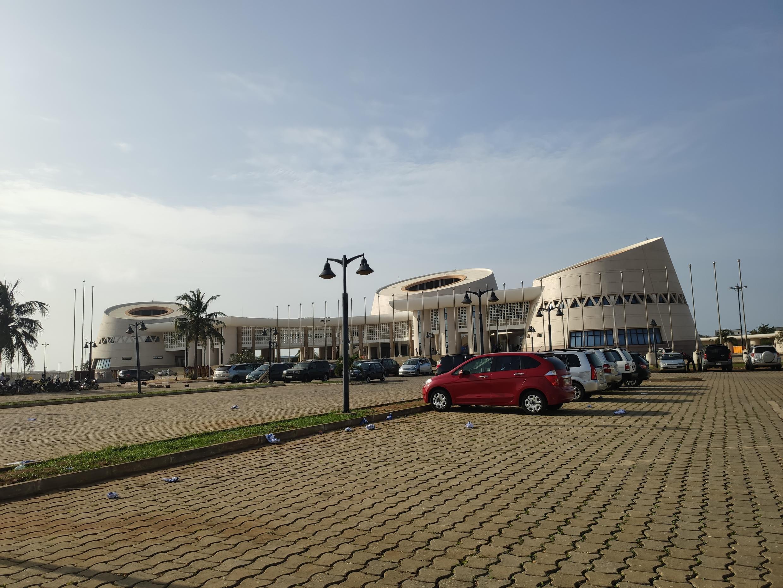 (illustration) Le palais des Congrès de Cotonou. Avril 2021.