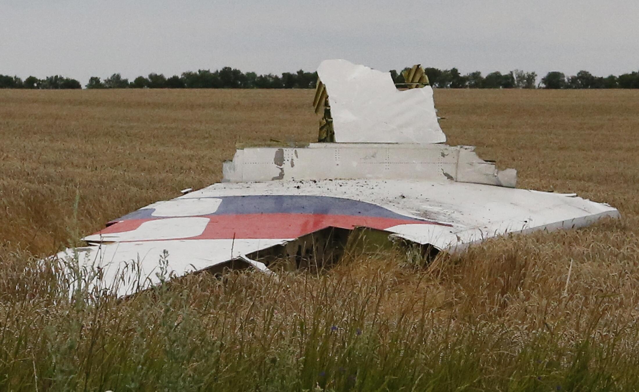 Mabaki ya Boeing 777 ya Malaysia Airlines iliyopata ajali baada ya kudunguliwa karibu na eneo la Chakhtersk, katika jimbo la Donetsk,Julai 17 mwaka 2014.