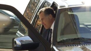 Mitt Romney arrive à la Maison Blanche pour un déjeuner inhabituel à l'invitation de Barack Obama, le 29 novembre 2012.