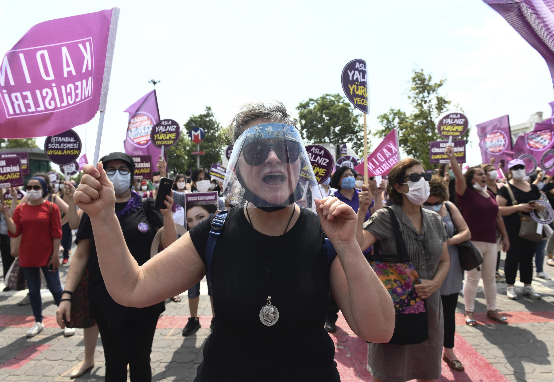 Turquie - Istanbul - manifestation femmes