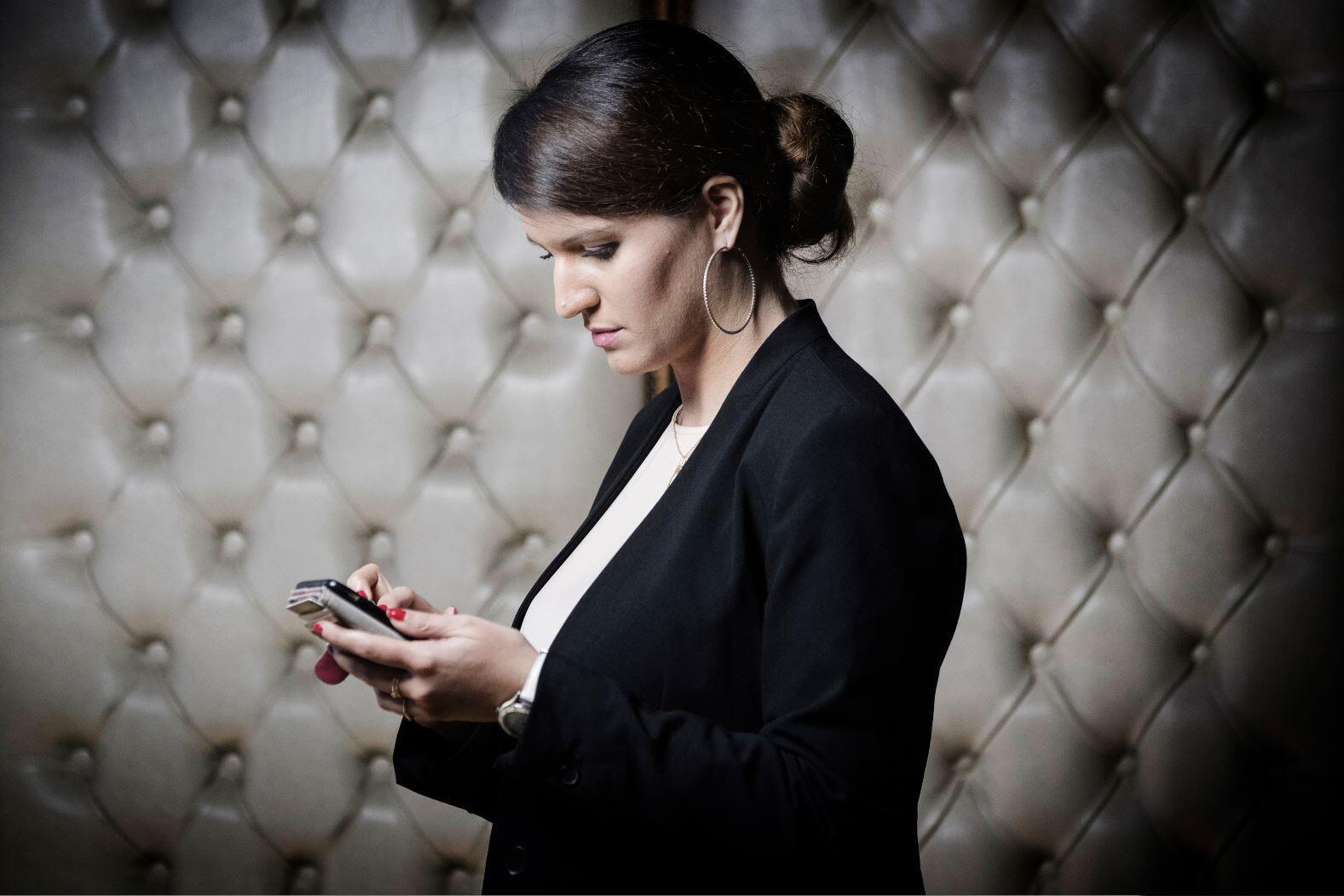 A ministra francesa Marlène Schiappa quer estabelecer em 15 anos a idade do consentimento sexual.
