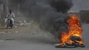 На улицах Карачи, фото 8 июля 2011 г.