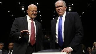 Giám đốc Cơ quan Tình báo Quốc gia James Clappet (T) và giám đốc CIA John Brennan, tại Tiểu ban tình báo Thượng viện Mỹ, Washington, 12/03/2013