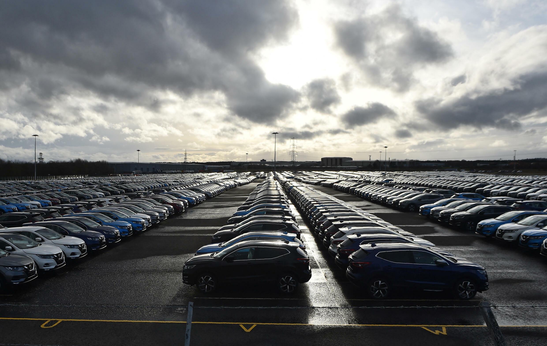 Automóviles de la marca Nissan estacionados en una planta de Sunderland, al noreste de Inglaterra, el 16 de marzo de 2019