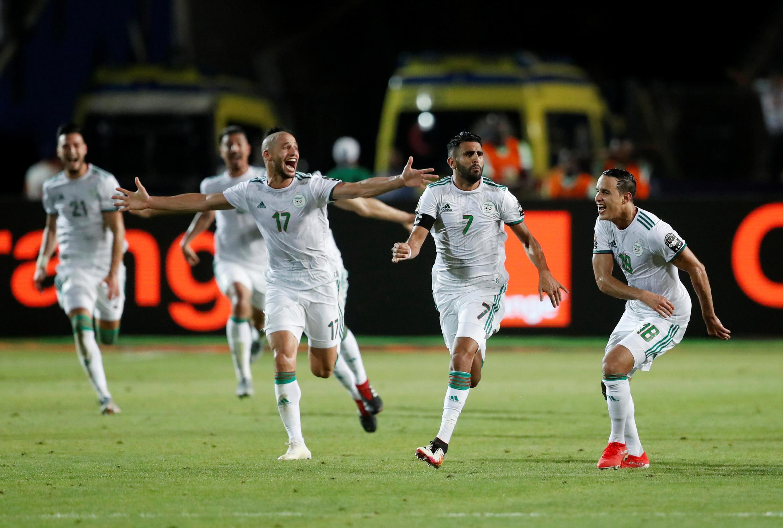 Le capitaine algérien Riyad Mahrez a envoyé son équipe en finale de la CAN 2019 sur coup franc direct.
