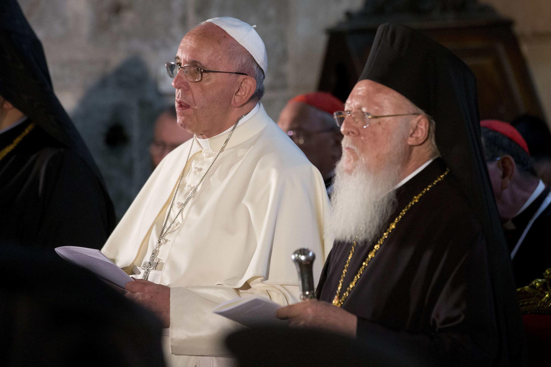 Le pape François a déjà rencontré le patriarche orthodoxe de Constantinople Bartholomée à la basilique du Saint-Sépulcre à Jérusalem, le 25 mai 2014.