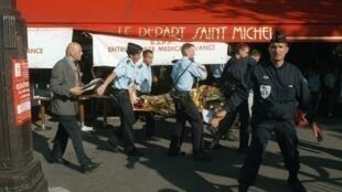 Os atentados na estação Saint-Michel, em Paris, em 1995, deixaram 8 mortos e 200 feridos.