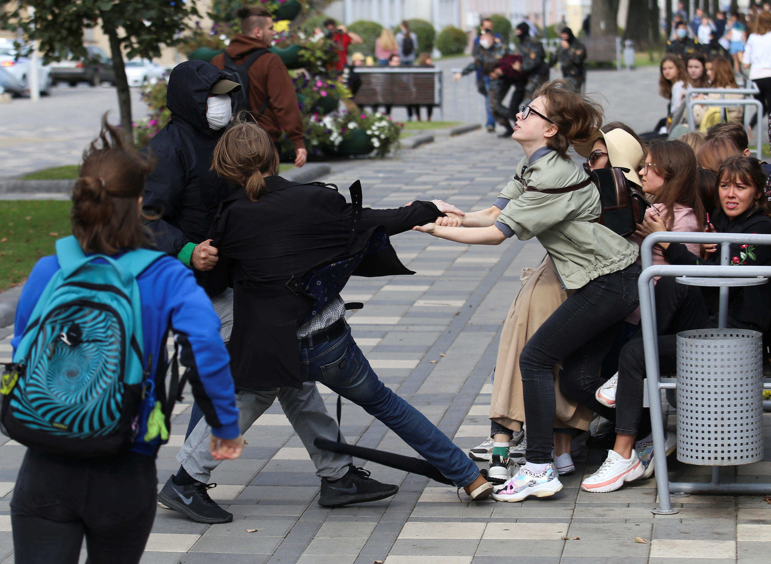 2020-09-01T154207Z_1103955149_RC2RPI938135_RTRMADP_3_BELARUS-ELECTION-PROTESTS-STUDENTS