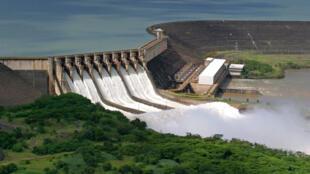 Hidrelétricas de Goiânia têm nível dos reservatórios afetados por estiagem. A situação mais grave é em São Simão, no sul do Estado.
