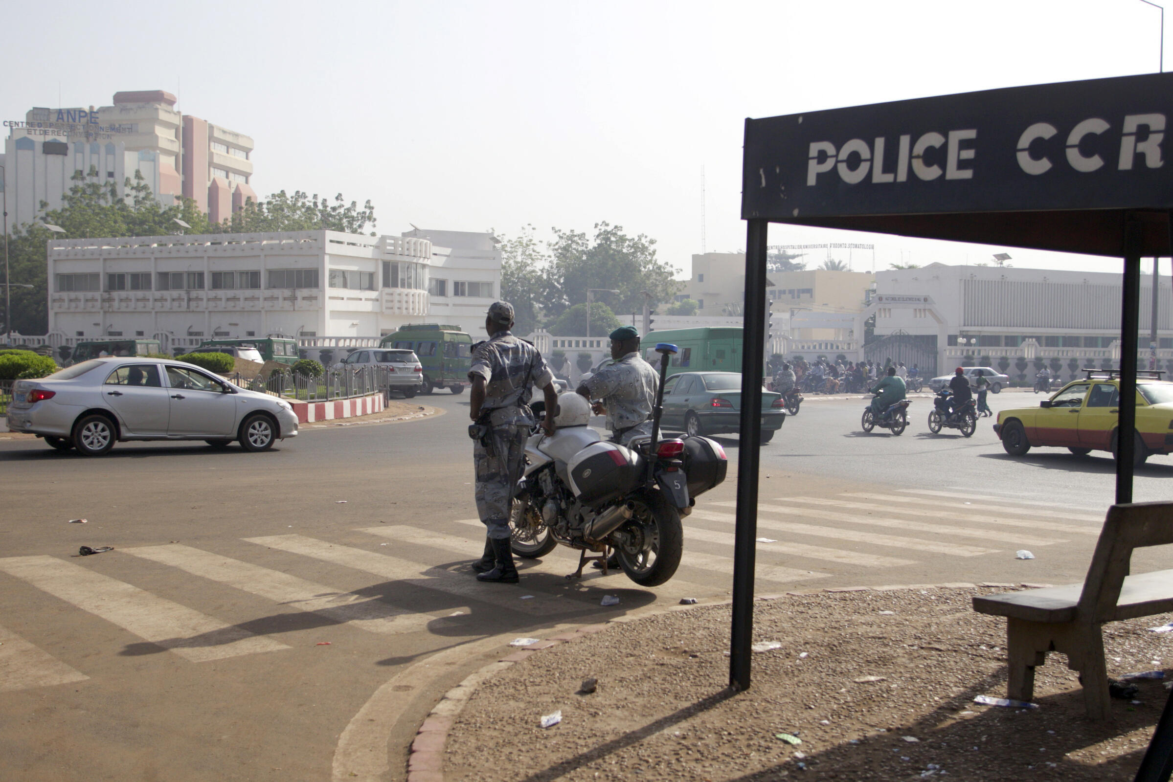Contrôle de police dans le centre-ville de Bamako, Mali (photo d'illustration).