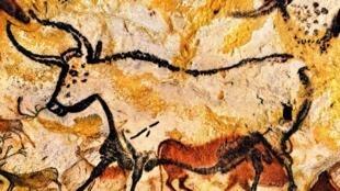 法国韦泽尔峡谷史前遗迹和装饰洞穴群之一:拉科斯洞穴壁画