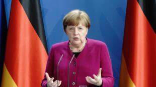 Angela Merkel habla durante la rueda de prensa conjunta a través de videoconferencia que dio con Emmanuel Macron, el 18 de mayo de 2020 en Berlín