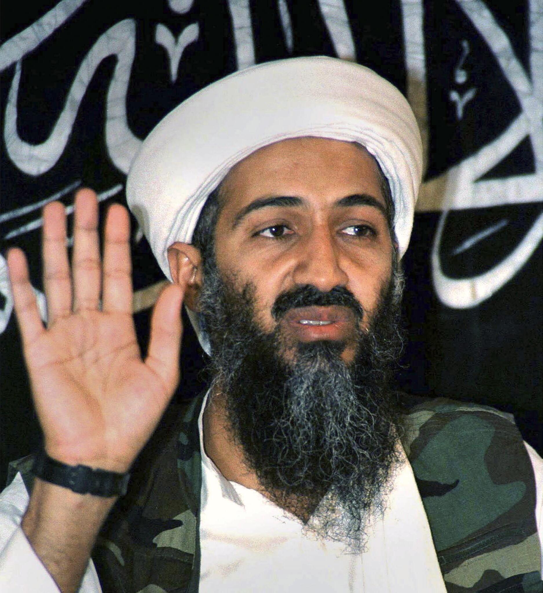 Osama Bin Laden durante una conferencia de prensa en 1998