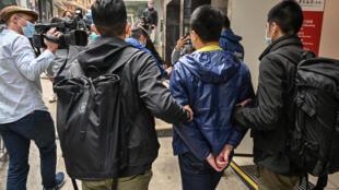 Polícia de Hong Kong prendeu hoje dezenas deactivistas acusados de subversão