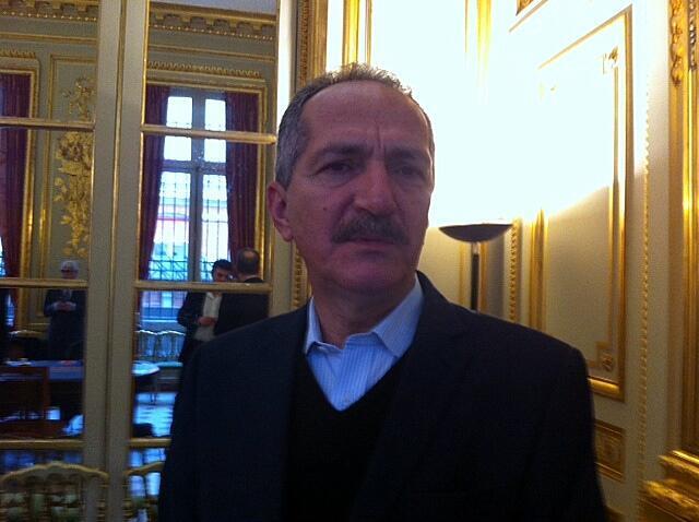 O ministro brasileiro do desporto, Aldo Rebelo em Paris para promover o Mundial de 2014.