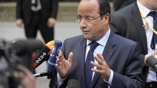 French President François Hollande promises to cut costs with his territorial reform
