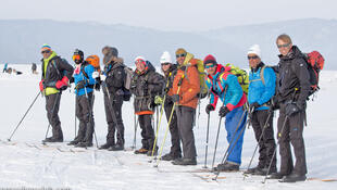 RFI a suivi une équipe de non-voyants et mal-entendants sur le lac Baïkal pour une expédition inédite, en autosuffisance complète, suivie par des chercheurs scientifiques de haut niveau.
