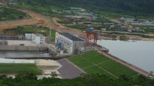 Vue générale du barrage hydroélectrique d'Imboulou au Congo-Brazzaville, le 27 janvier 2010.