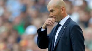 L'entraîneur du Real Madrid, Zinedine Zidane, lors de la rencontre contre le Real Valladolid, à Madrid le 24 août 2019.