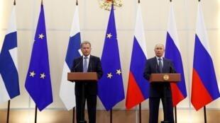 Tổng thống Nga Vladimir Putin và đồng nhiệm Phần Lan Sauli Ninisto họp báo tại Sotchi, ngày 22/08/2018.