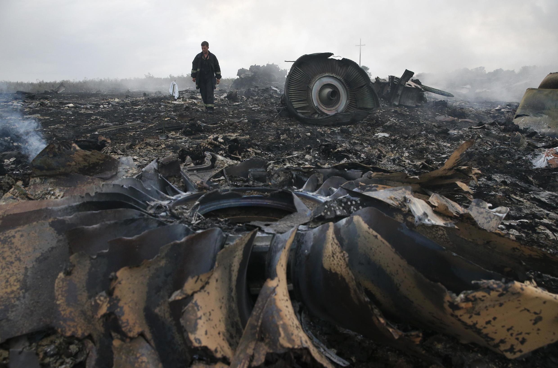 Mảnh vỡ của chiếc máy bay MH 17 thuộc hãng Malaysia Airlines sau khi bị trúng tên lửa trên không phận Ukraina.