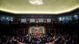 A Câmara dos Deputados dos EUA votou em uma resolução que estabelece os próximos passos no inquérito de impeachment do presidente dos EUA, Donald Trump, em Washington, em 31 de outubro de 2019.