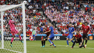 Croatas e turcos se enfrentaram em Paris, na estreia das duas seleções pelo grupo D da Eurocopa.