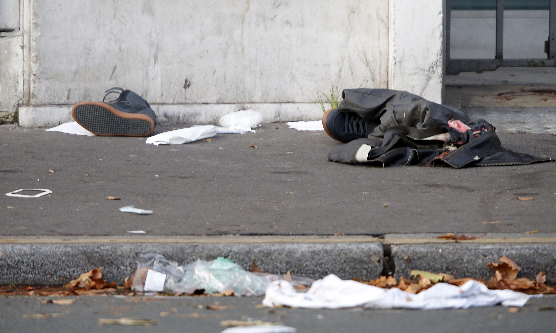 Nas ruas de Paris, a memória do drama deste dia 13 de novembro
