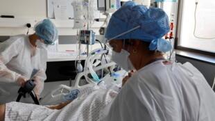 法国疫情严重,重症患者增加,医院压力加大。