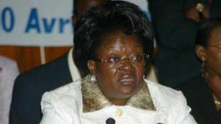 Laure Olga Gondjout, alors ministre des Affaires étrangères, à Libreville en 2008.