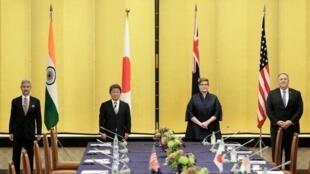 美日印澳四國外長與日首相菅義偉舉行會議資料圖片