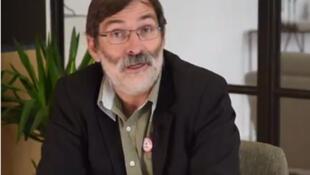 Daniel Ibañez, fondateur et co-organisateur du Salon des livres des lanceurs et lanceuses d'alertes.