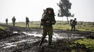 Un soldado israelí, miembro de la brigada que patrulla en el Golán.