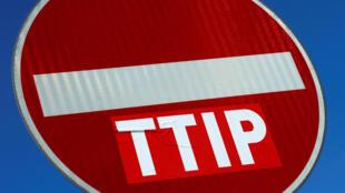 O governo francês vai pedir a suspensão das negociações do tratado de livre comércio com os Estados Unidos, o TAFTA ou TTIP
