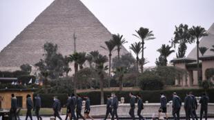 Les Bleues à leur hôtel près des pyramides de Gizeh, au Caire, le 13 janvier 2021