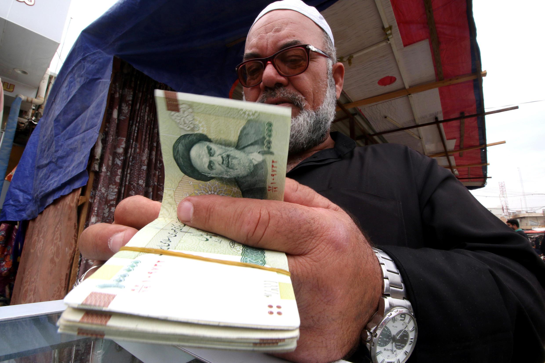 Đồng tiền rials của Iran bị mất giá trầm trọng từ khi bị Mỹ tái lập trừng phạt