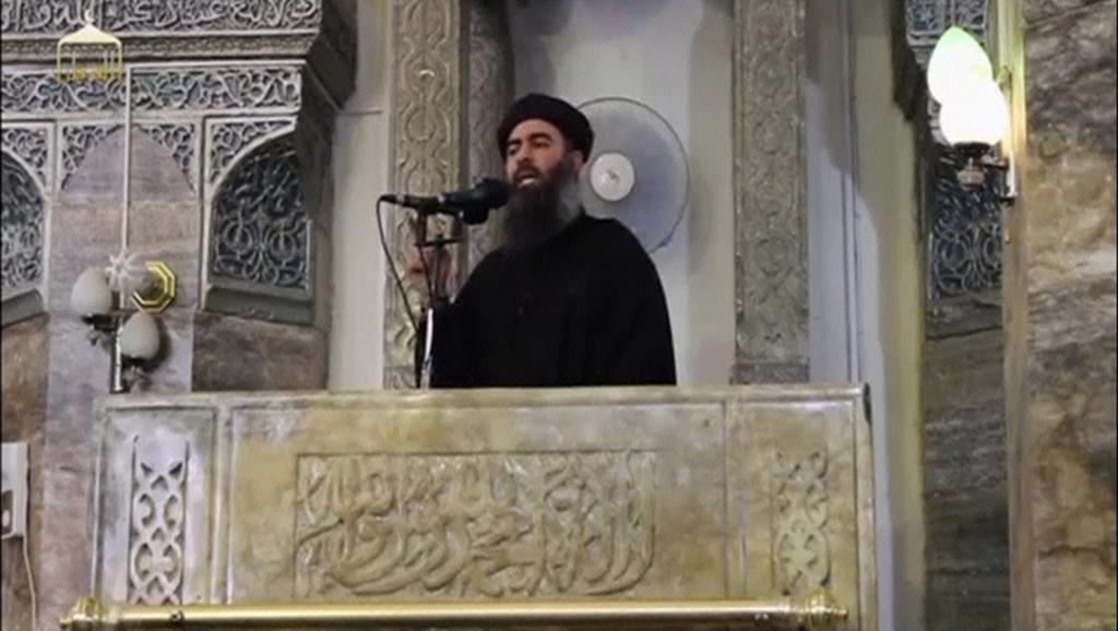 Kiongozi wa kundi la IS Abu Bakr al-Baghdadi, aonekana hadharani kwa mara ya kwanza, Julai 5, 2014.