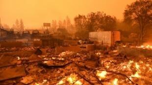 Bairro destruído pelo fogo que devastou a cidade de Paradise, na Califórnia