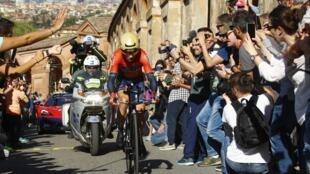 Итальянца Винченцо Нибали (победителя Джиро-2016 и 2018) называют одним из фаворитов веломногодневки в этом году